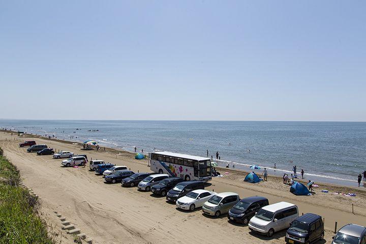 夏場は海水浴場に!海の家の千里浜名物「焼きはまぐり」がオススメ♪