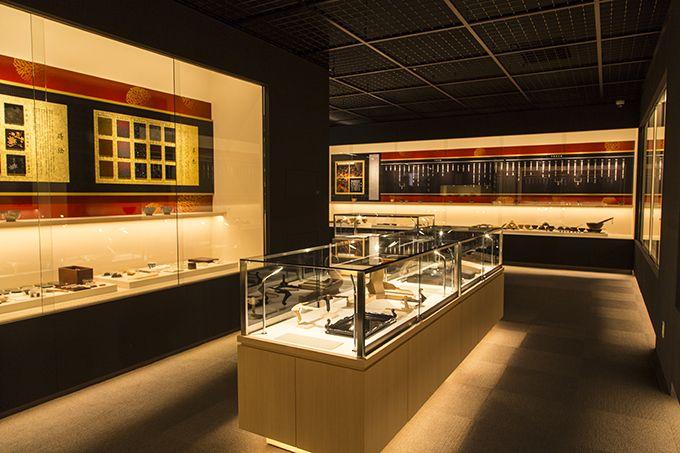2階は輪島塗の作業工程が一目で分かる資料展示室!