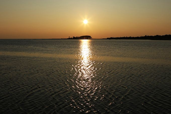 「夕陽が落ちる島」として知られる安部屋の弁天島!