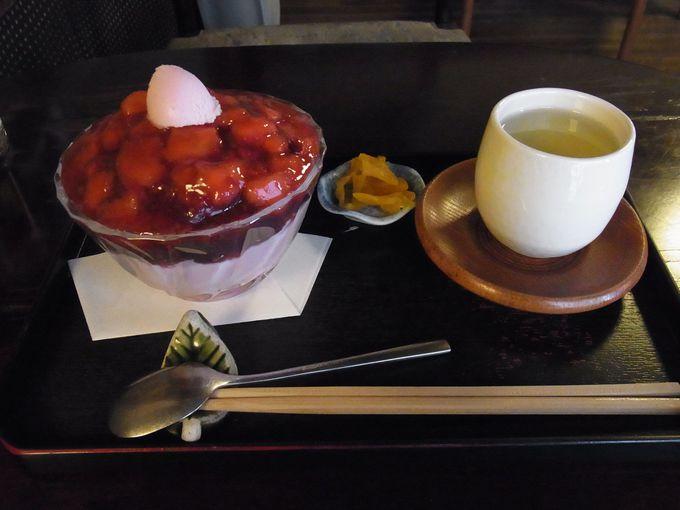 円山茶寮のイチゴぜんざい