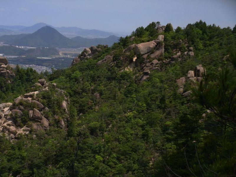 巨石連なる古の不思議!滋賀・近江アルプスで出会う絶景
