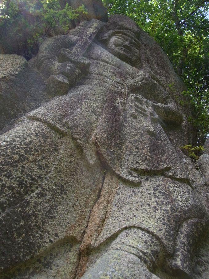 車谷の不動大磨崖仏