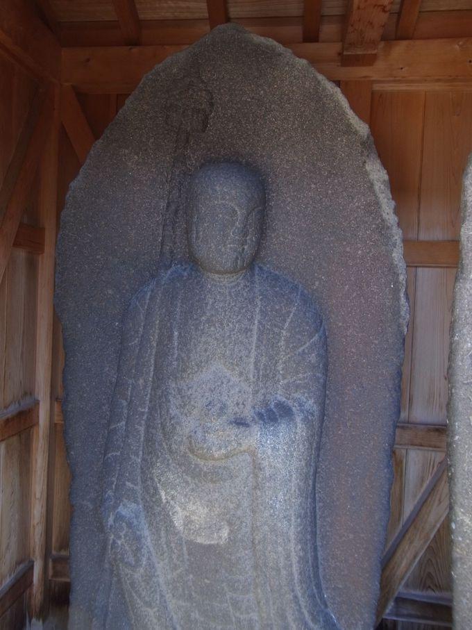 奈良坂の旅のみどころ − 見返り地蔵