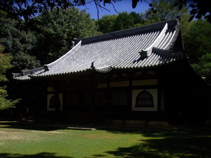 東大寺・毘盧遮那仏(奈良市)のみが知るくつろぎのB級スポット