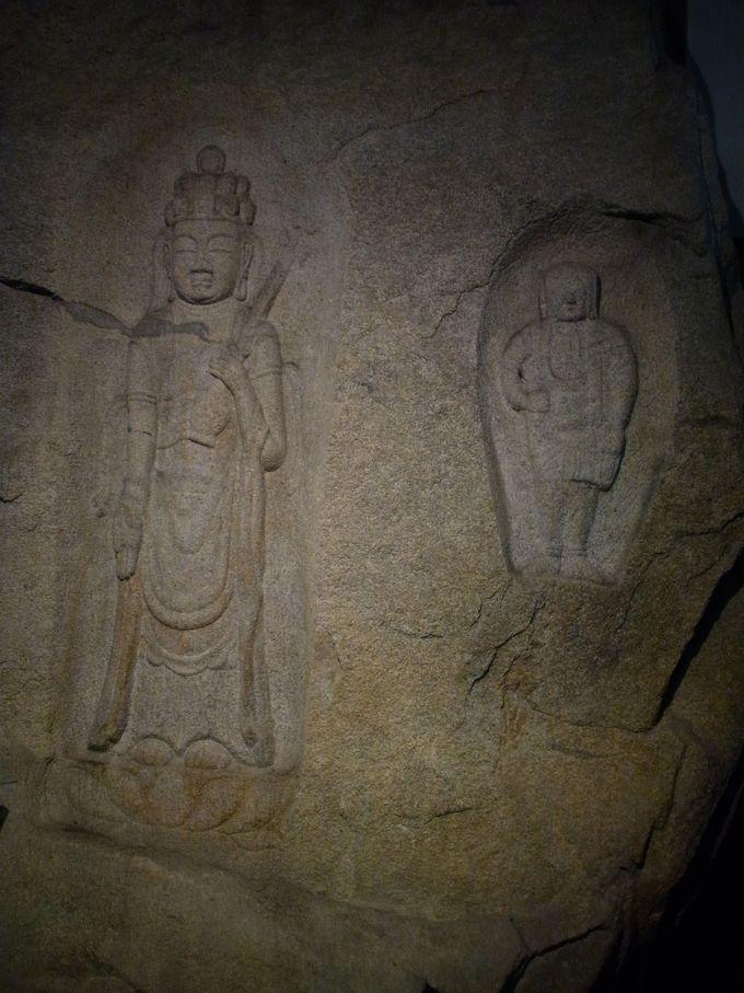 王龍寺秘蔵の南北朝期の磨崖十一面観音立像の微笑みに触れる