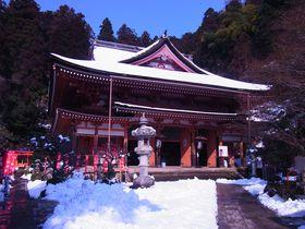 琵琶湖北部(滋賀県)の神秘の島・竹生島の魅惑を満喫する!