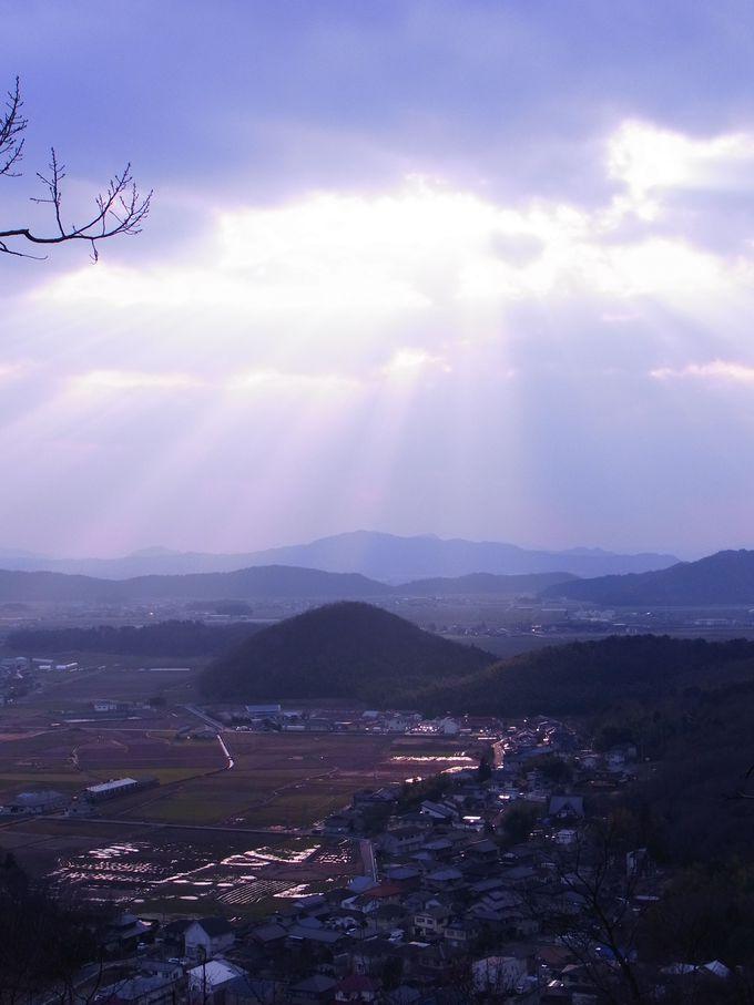 南面に展けた赤神山はまさに天空の城