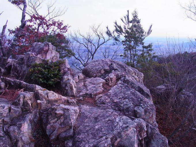 伊吹山から琵琶湖までが一望できる赤神山山頂