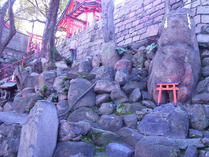 神宮の奥処・谷末社の神域の陰陽石