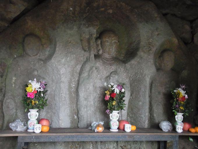 無山山寺の西念坊とこの旅のピークをなす穴薬師