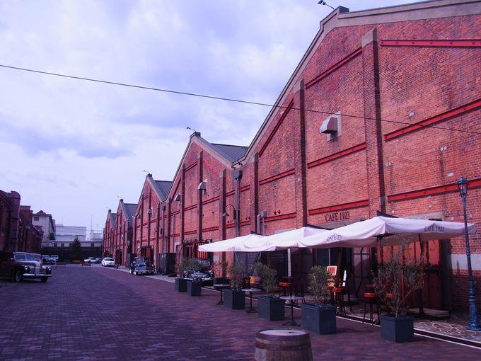 築港めぐりの起点は南の赤レンガ倉庫群から