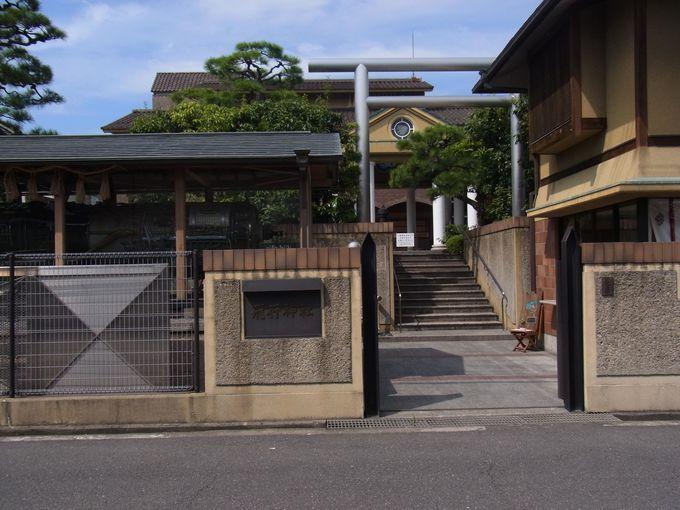 日本初の動力飛行機を飛ばした二宮忠八創建の飛行神社
