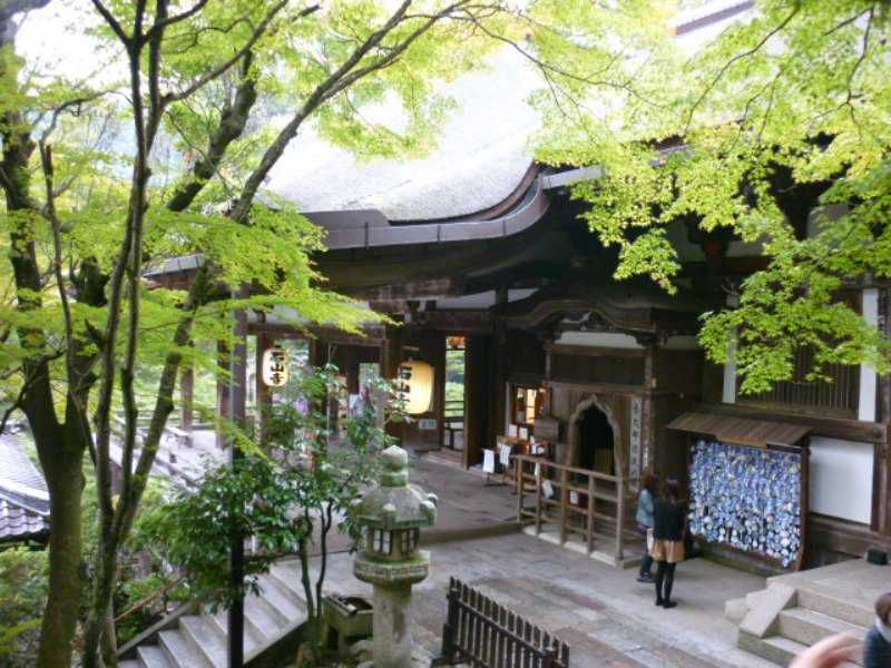 紫式部ゆかりの石山寺、46年ぶりの多宝塔の修理が完了しました♪