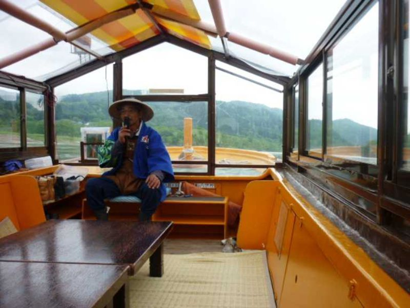 とうとうと流れる最上川で舟下りを楽しもう♪