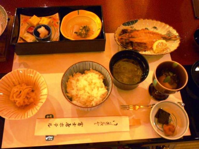 和朝食なら、菊華荘。