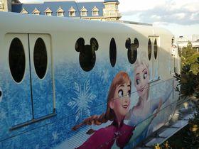 アナ雪号で出発だ!ディズニーリゾートライン「アナとエルサのスノークリスタル・ライナー」|千葉県|トラベルjp<たびねす>