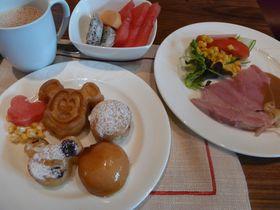 香港の「ディズニー・エクスプローラーズ・ロッジ」キャラクター朝食攻略法