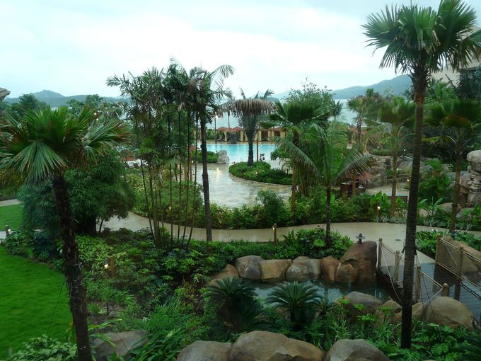 ガーデンの中心「レイン・ドロップ・プール」
