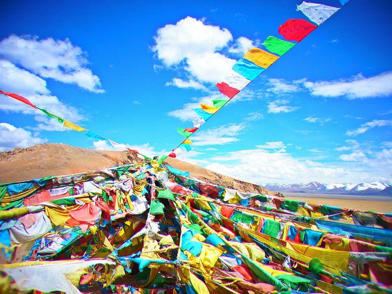 夢の青空列車でチベットへ!聖なる天空の湖と聖地ラサを巡る!