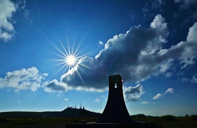 美ヶ原のシンボル、美しの塔と王ヶ頭!