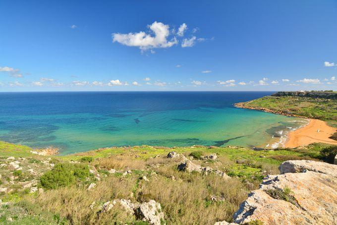 ギリシャ神話の伝説が残るラムラ湾とカリプソの洞窟!