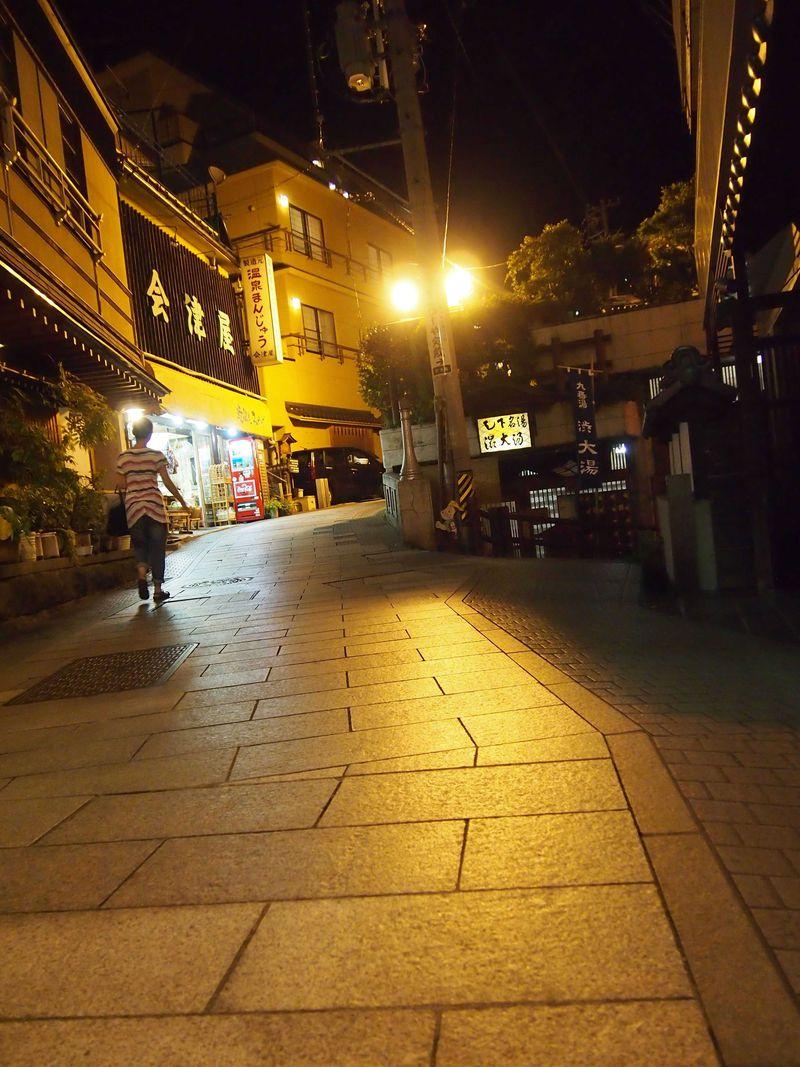 やわらかな橙色の灯りに包まれて〜長野・渋温泉(4)