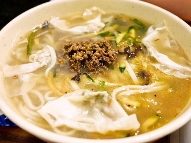 餃子店で韓国風うどん!?ソウルの明洞餃子でカルグクスを食べよう!
