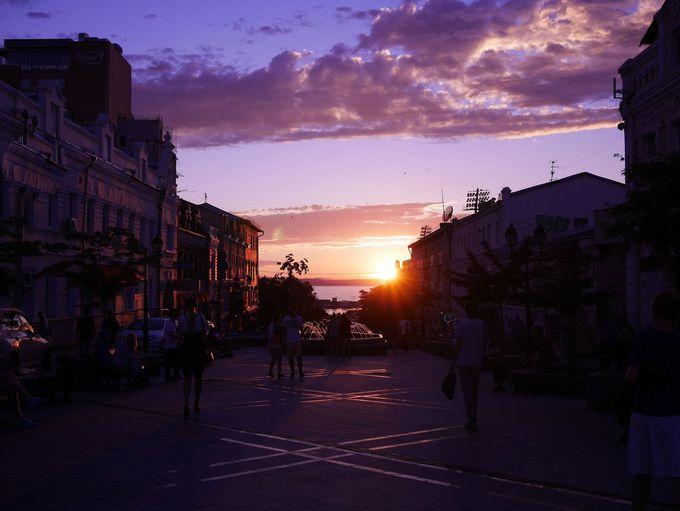 美しい夕焼けを眺められる、夕暮れ時の訪問もおすすめ