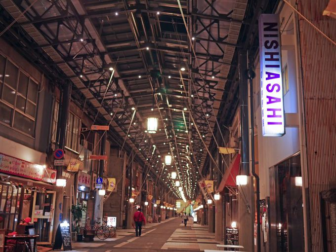 「西アサヒ」に泊まって、夜の円頓寺商店街も満喫