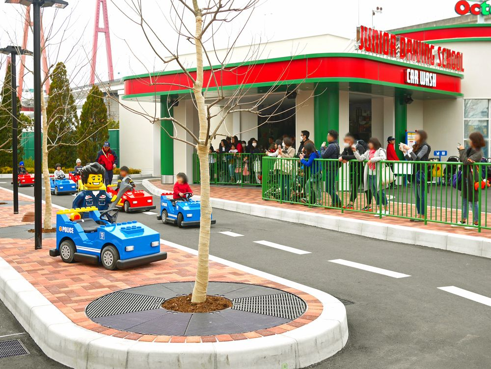 家族みんなで楽しめる大人気エリア「レゴ(R)・シティ」