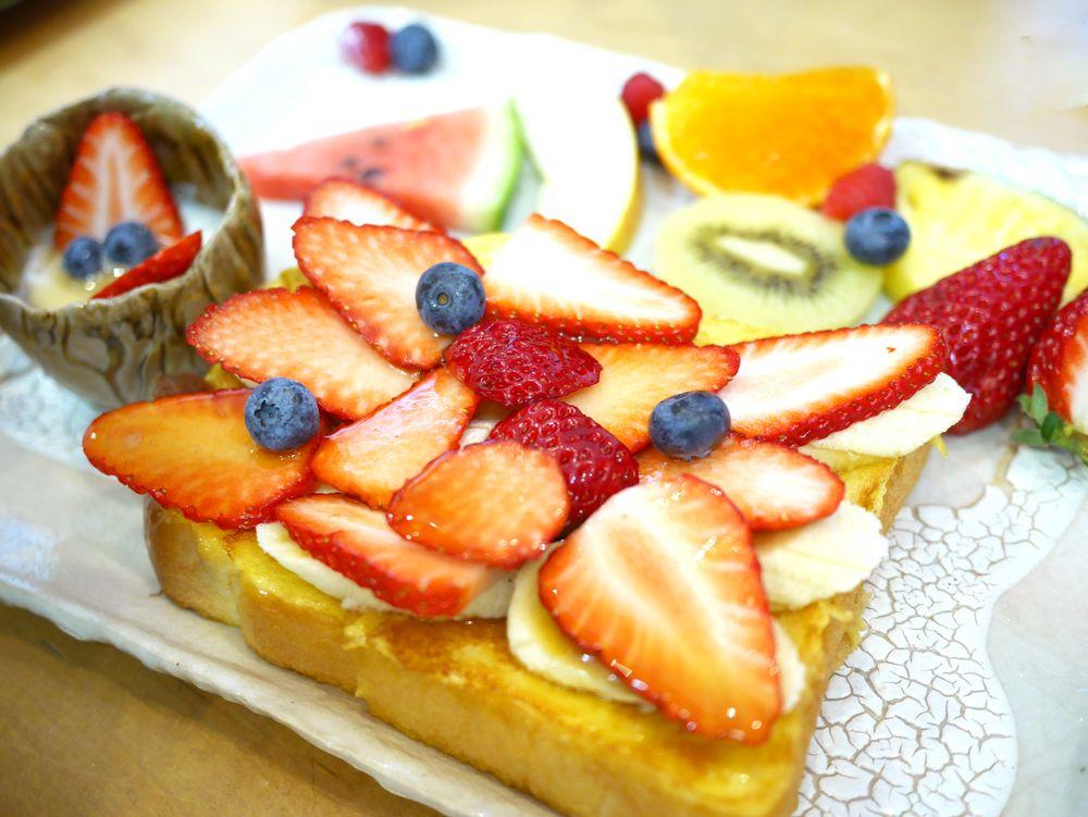 名古屋最強モーニング&フレンチトースト!トップフルーツ八百文