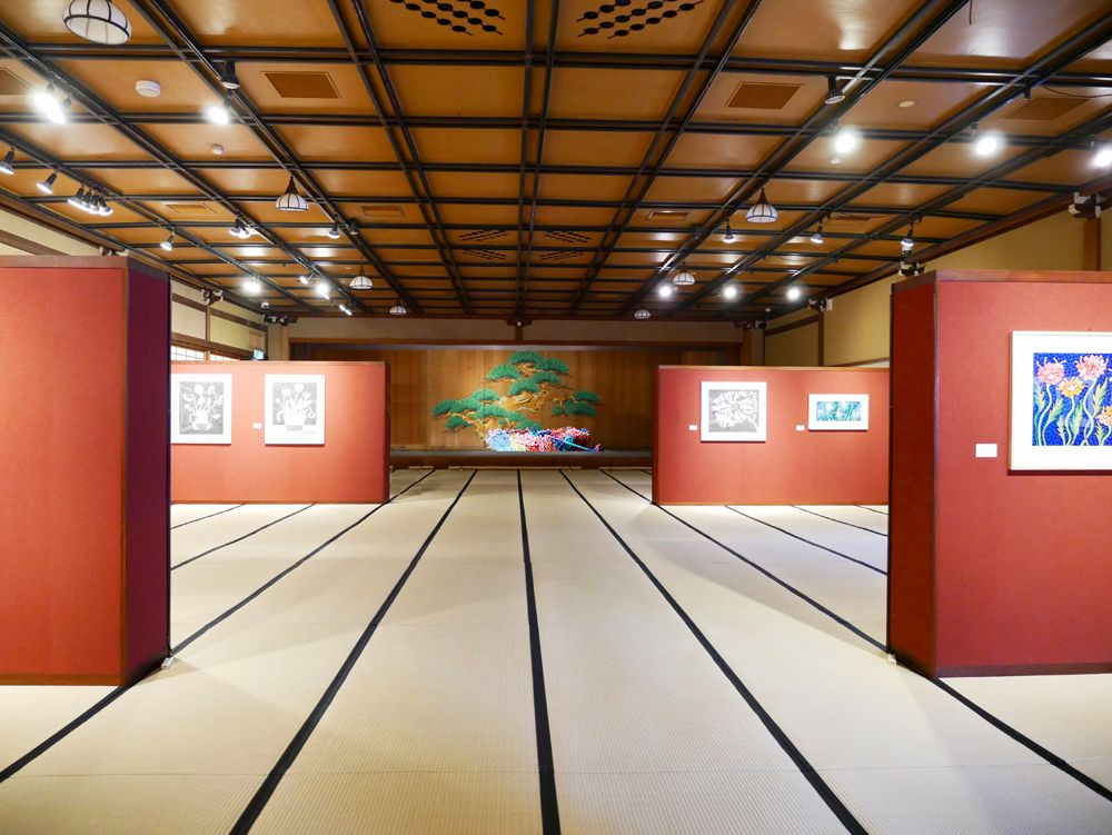 2階は企画展「草間彌生・花の間展」