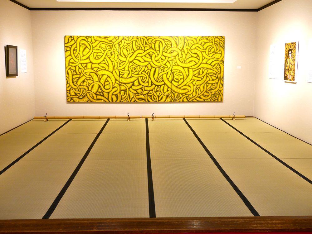 1階の展示室は、各部屋ごとに異なる世界観
