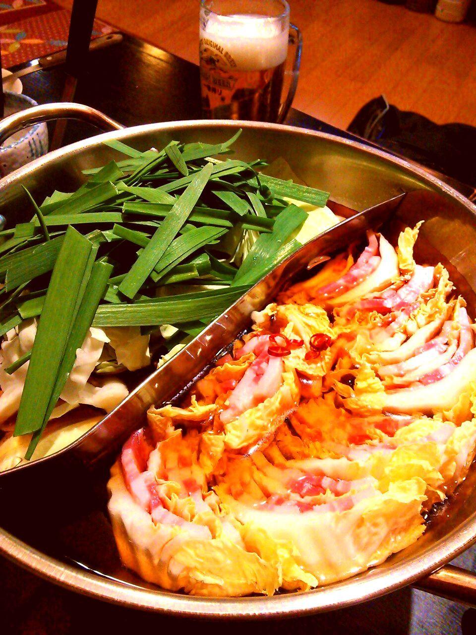 夜は2つの味をダブルで楽しめる、とっておき鍋!