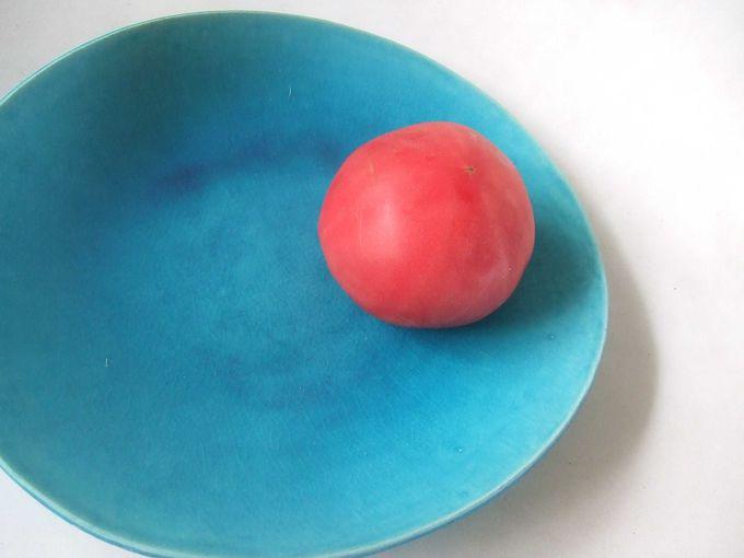 沖縄の海のようなぺルシャンブルーの陶器。