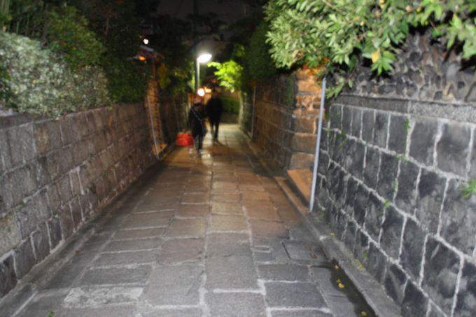 石塀小路をそぞろ歩き・・・が京都らしくて。