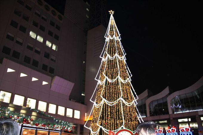 シンボルは27mの大きな大きなクリスマスツリー。