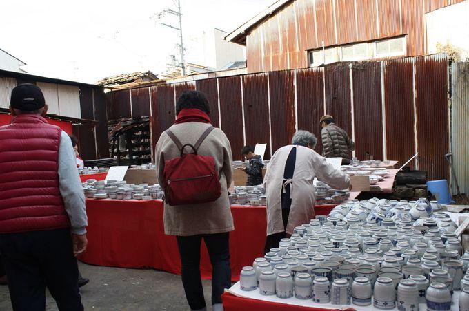 50軒の窯元が開く大陶器市で京焼観賞