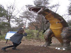 25体の実物大恐竜模型!長野市「茶臼山恐竜園・自然植物園」