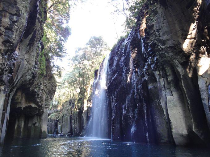絶景の滝!マイナスイオンたっぷりの「真名井の滝」