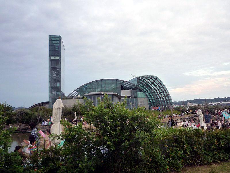 観光名所の小名浜港