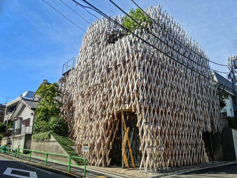 伝統の建築方法を知る『サニーヒルズ南青山』