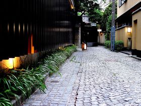石畳のグルメ迷路!新宿「神楽坂」で隠れ名店のある横丁5選