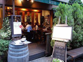 石畳の隠れ家カフェ!神楽坂「ル・ブルターニュ」は日本初のクレープリー|東京都|トラベルjp<たびねす>
