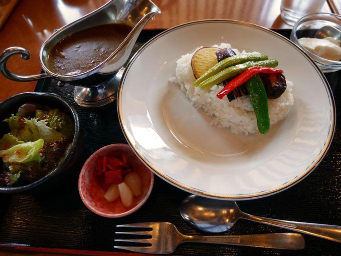高級中華料理店の艶やかなカレー「杏の花」