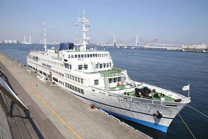 東京湾を巡る最大のレストラン船です