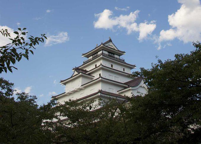 時代は幕末から明治にかけて、ドラマ前半の舞台は福島県会津若松市