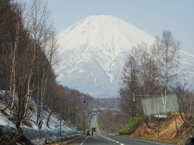 羊蹄山を鑑賞できる国道276号線