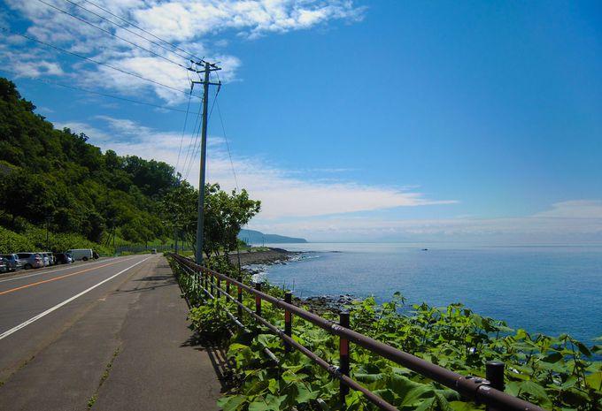 癒しポイントその1:道中はオホーツク海沿いをドライブ!