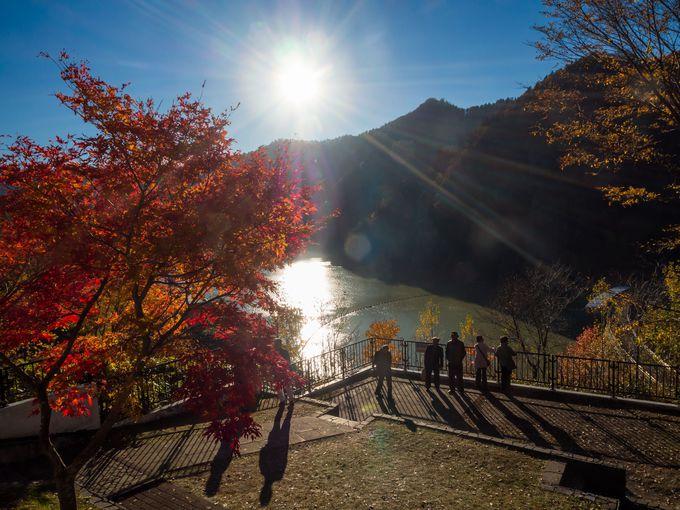 豊平峡ダムにおけるレストハウス前の展望台からの眺めは抜群!